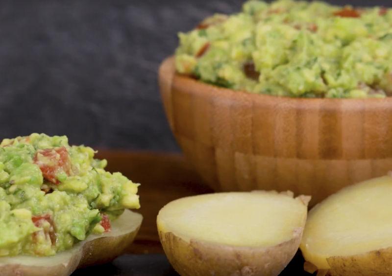 Pellkartoffeln mit Avocado-Creme
